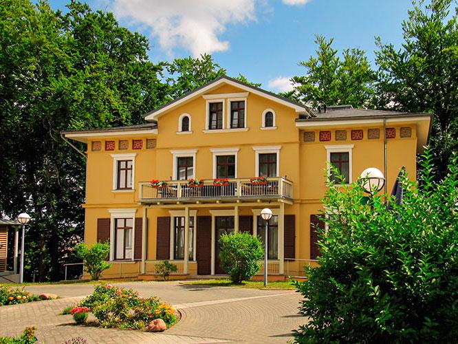 Frontansicht der Villa Stella Maris